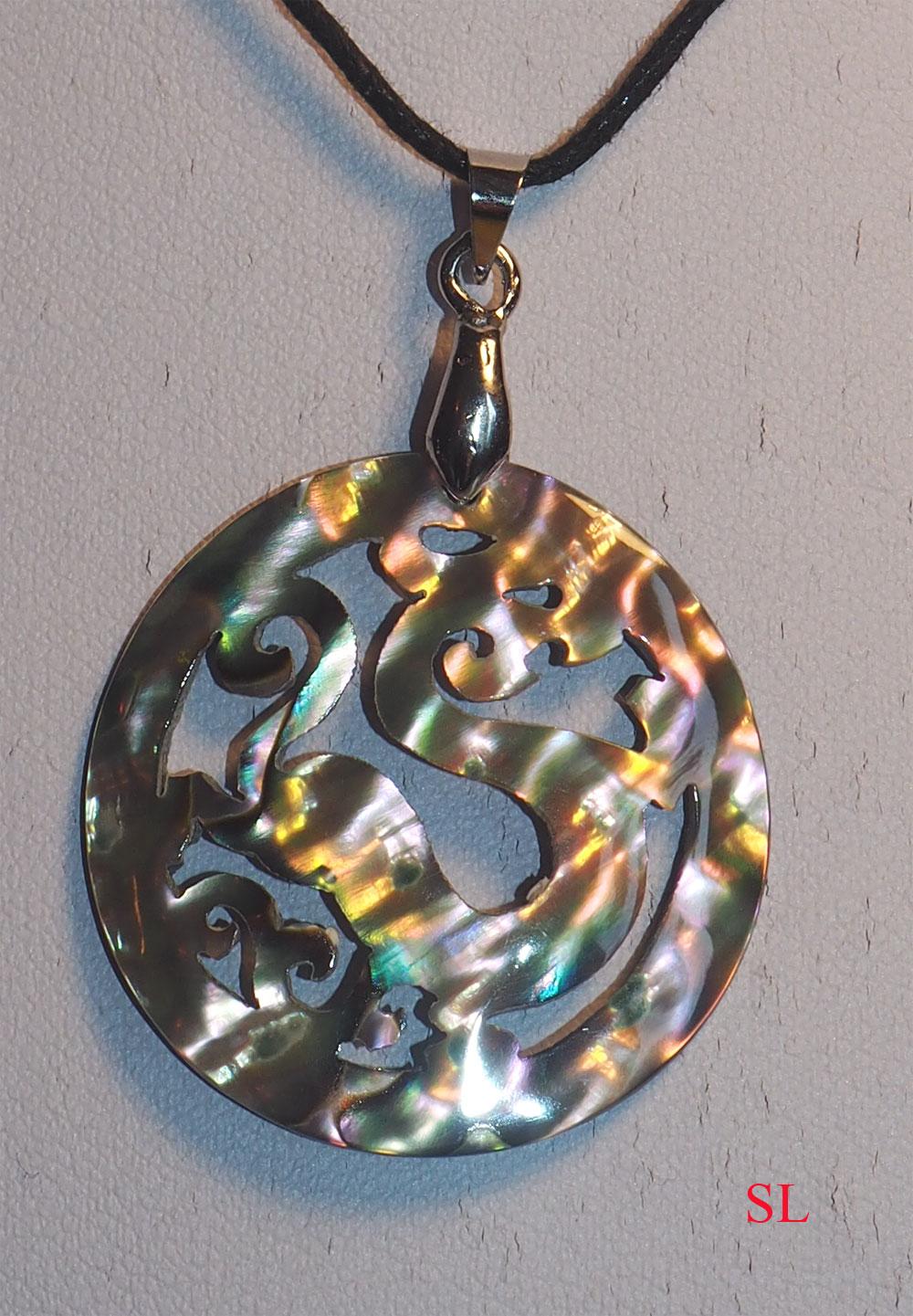 Collier-en-nacre-abalone-Dragon