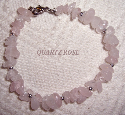 Bracelet-en-pierre-quartz-rose